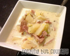 Creamy Ham &amp; Potato Soup in Crock Pot