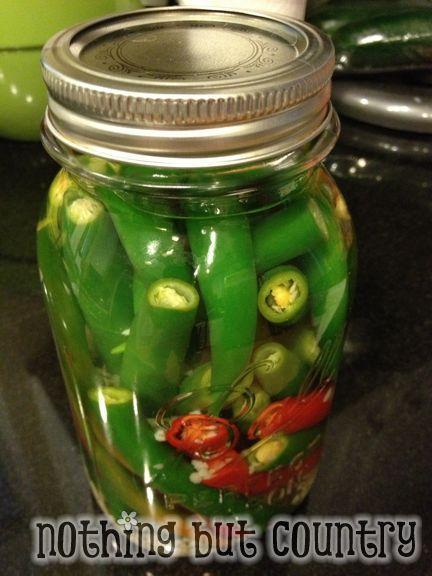 Hot Pepper Sauce / Pepper Vinegar | NothingButCountry.com