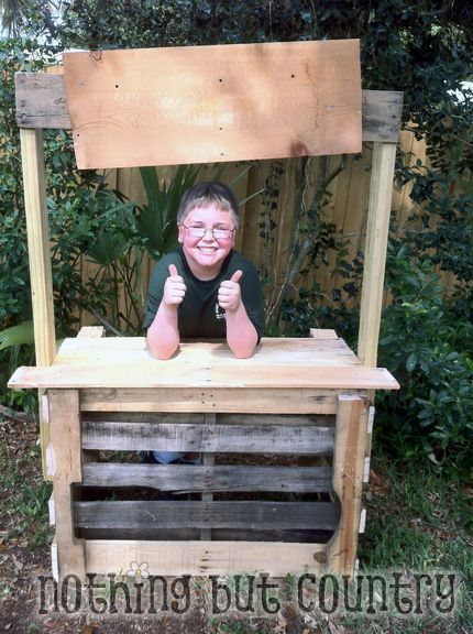 Pallet Lemonade Stand | NothingButCountry.com