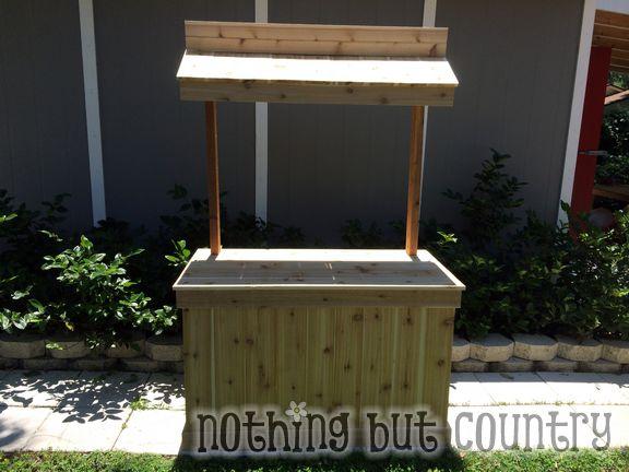 Cedar Lemonade Stand | NothingButCountry.com
