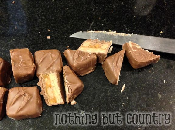 Easy Candy Filled Brownie Bites | NothingButCountry.com
