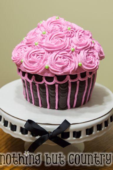 Giant Cupcake Cake | NothingButCountry.com