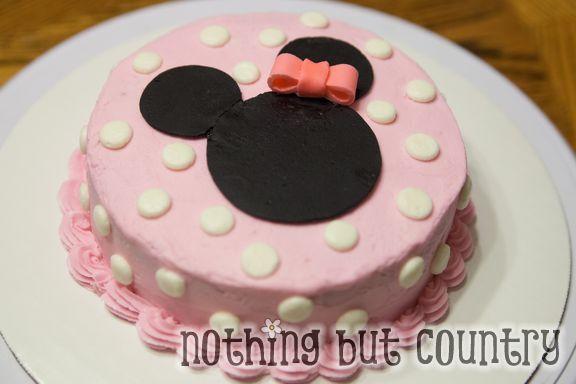 Minnie Mouse Cupcakes & Smash Cake | NothingButCountry.com