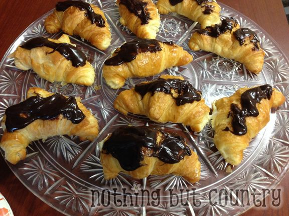 Easy No Bake Croissant Eclairs | NothingButCountry.com
